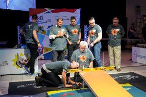 Les juges en action lors de la finale québécoise du Défi génie inventif ÉTS.